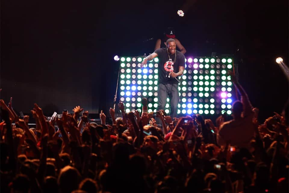 During his 45-minute set, Lecrae had the crowd maxed out, bringing a few new songs with plenty of old favorites.