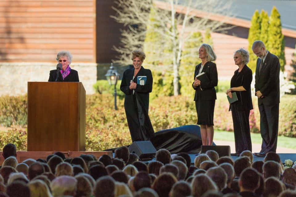 From left to right: Jean Graham Ford (Billy Graham's younger sister) and his children, Gigi Graham, Anne Graham Lotz, Ruth Graham and Ned Graham.