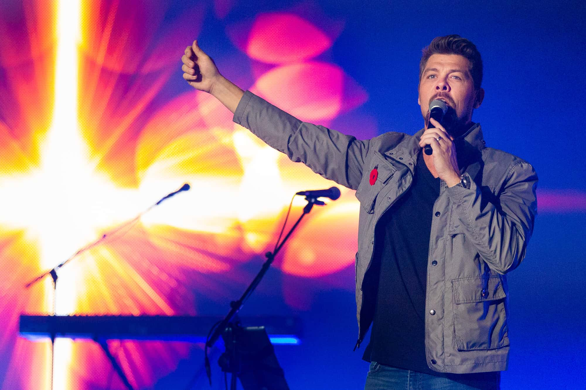 "Grammy and Dove award-winning artist Jason Crabb shared part of his own testimony of getting through a time he didn't understand. ""Don't you dare give up. Don't quit! Don't quit! Don't quit!"""