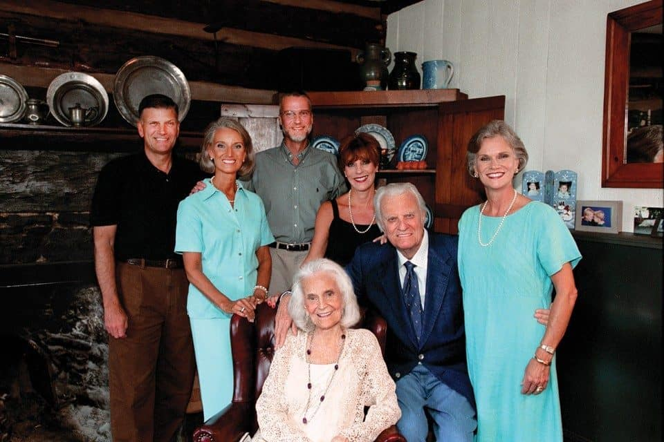 Ruth and Billy Graham with their sons and daughters in 2003.