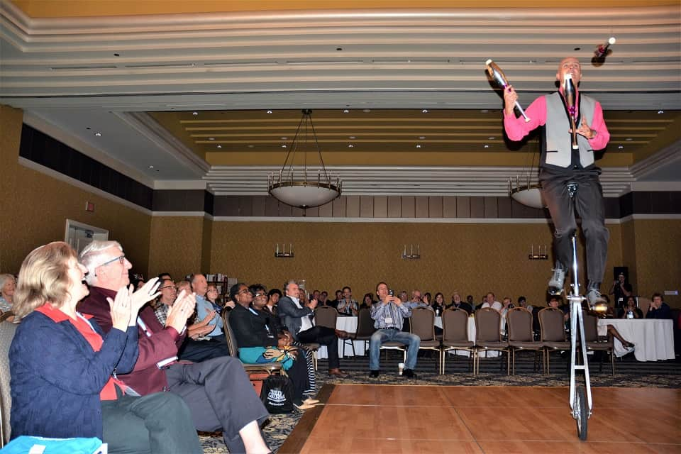 """Canadian juggler/comedian Bob Cates performs in Edmonton at the Billy Graham Evangelistic Association of Canada's Canadian Evangelism Congress. His family-friendly """"Comedy In Motion"""" act has won several entertainment industry awards."""